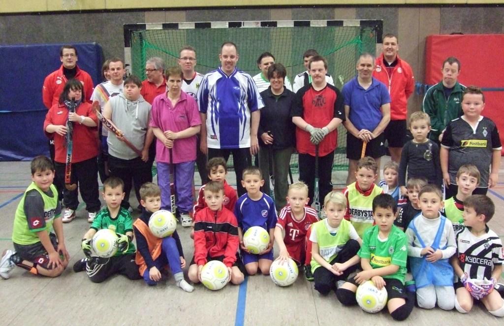 Behinderten-Sportgemeinschaft Mönchengladbach teilt mit unseren Kleinsten Ihre Trainingszeit